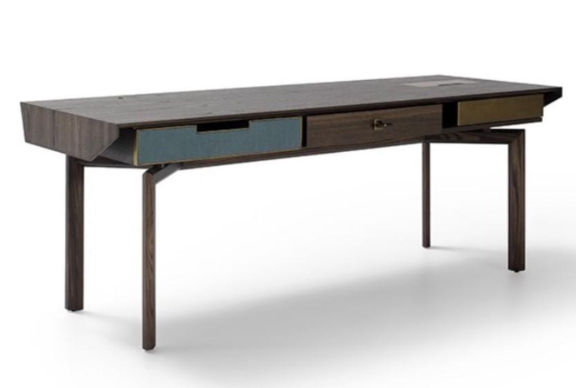 maddelena desk